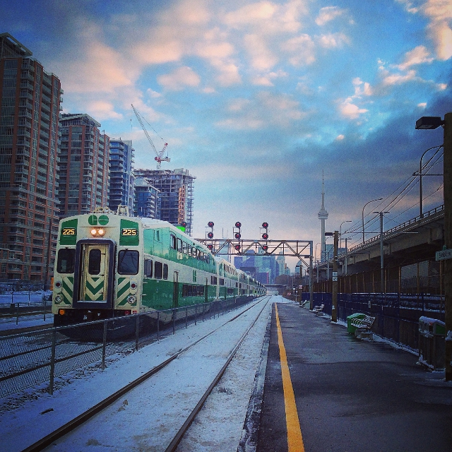 A photo of a Go Transit train leaving Exhibition Station in Toronto. Photo by Parks Canada
