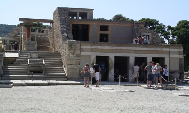 Palace of Knossos.  View from the Central Court of the Stepped Portico and Throne Room Complex restored to three storeys between 1922 and 1930 (photo K. Cooper, 2011)