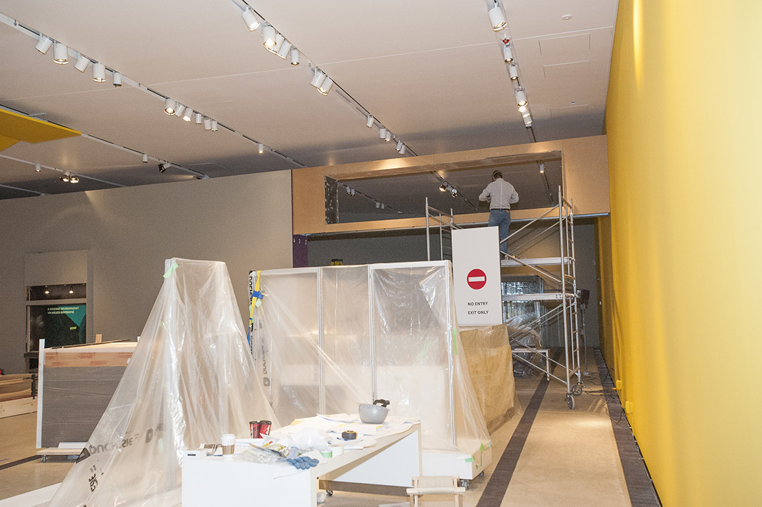 Installing Forbidden City Exhibition at the ROM