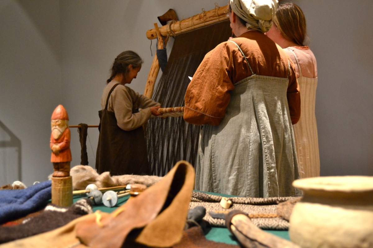 Viking loom set to display experimental archaeology.