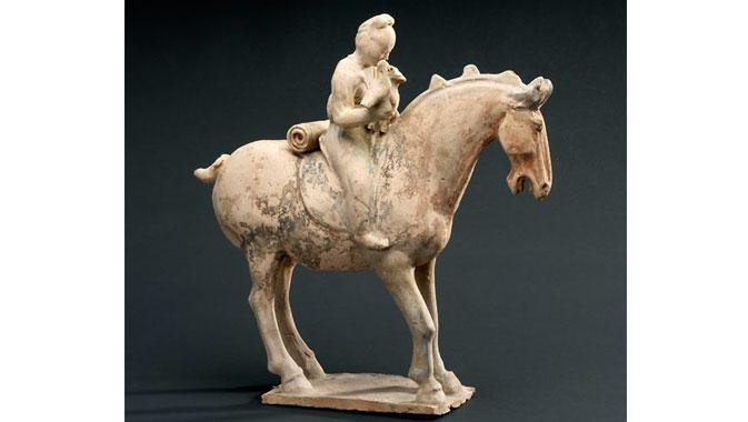 Figurine funéraire à cheval (terre cuite sous glaçure), dynastie Tang (fin du VIIe-premier quart du VIIIe siècle de notre ère)