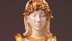 Detail of the head of the ROM 'Minoan' Goddess